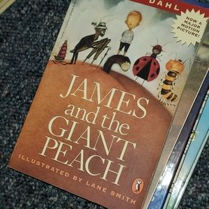 James and the Giant Peach soft cover